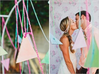 Пример декора свадьбы треугольниками