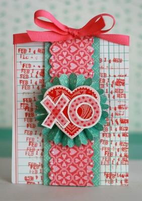 Яркая валентинка с розеткой из бумаги