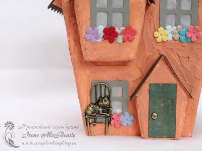 Домик - крыльцо, дверь и кот