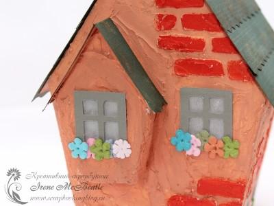 Домик - цветы на окнах, кирпичи