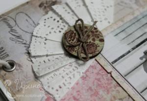 Шебби-альбом для девочки: деревянная пуговица и салфетка