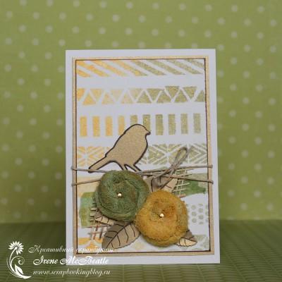 Открытка с птичкой и цветами из марли