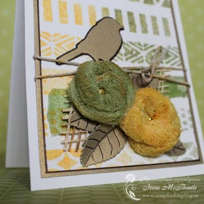 Цветы из марли и вырубка из золотистого картона