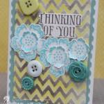 Пуговицы и цветочки на открытке
