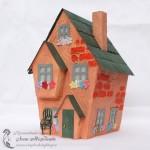 Модель дома из бумаги и текстурной пасты