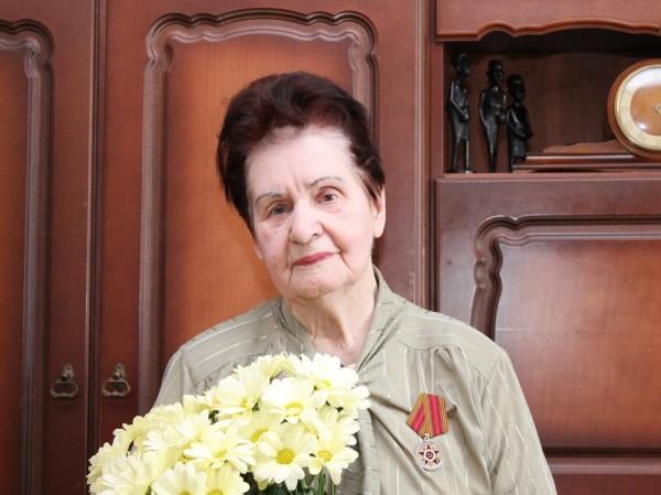 Бабушка - ветеран войны и труда